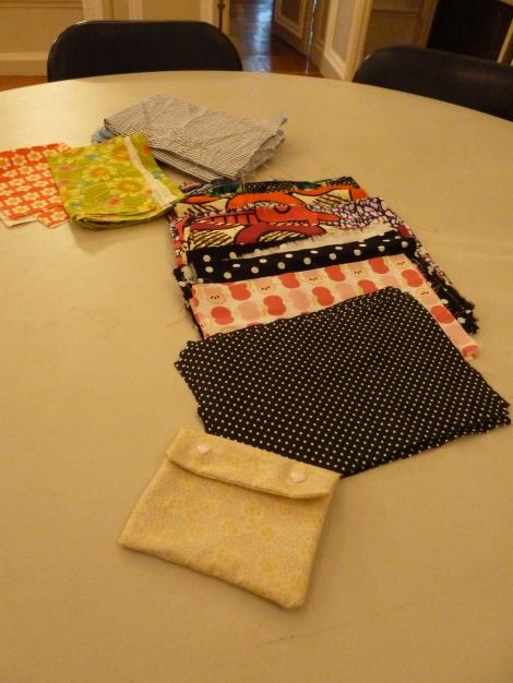 Échantillons de tissus pour les confections pochettes avec un modèle