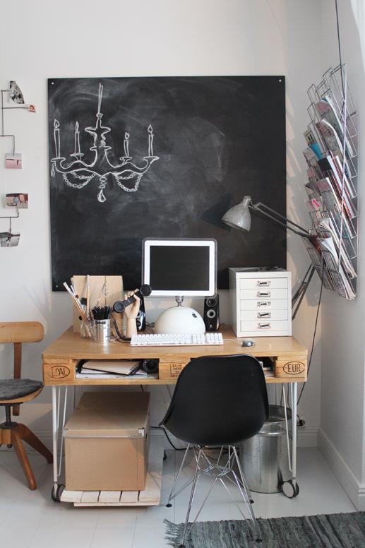 Les cagettes et les palettes c est chouette my cherry - Fabriquer un bureau avec des palettes ...