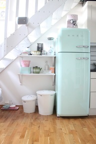 Fifties pastel kitchen - via Pinterest